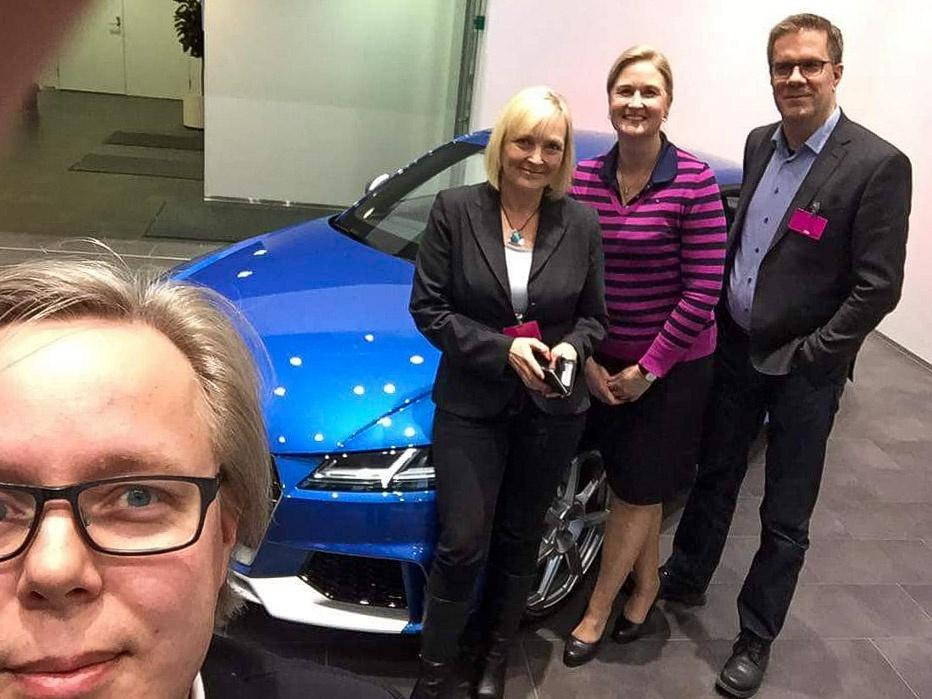 VV-Auto ja Medita aloittivat yhteistyon tammikuussa 2017. Kuvassa Meditan Mika Särkijärvi, Tuija Soikkeli ja Tommi Pitenius sekä VV-Auton viestintäpäällikkö Riitta Karjalainen (toinen oik.)
