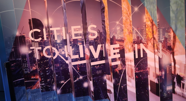 Kaupungit ovat ihmisiä varten. Myös älykkään kaupungin (Smart City) teknologiaa tehdään ihmisille. Barcelonan Smart City Expon teemana oli Cities to Live In.